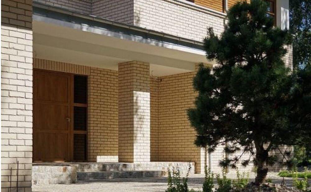 dom-na-leningradke-obshchiy-vid-1