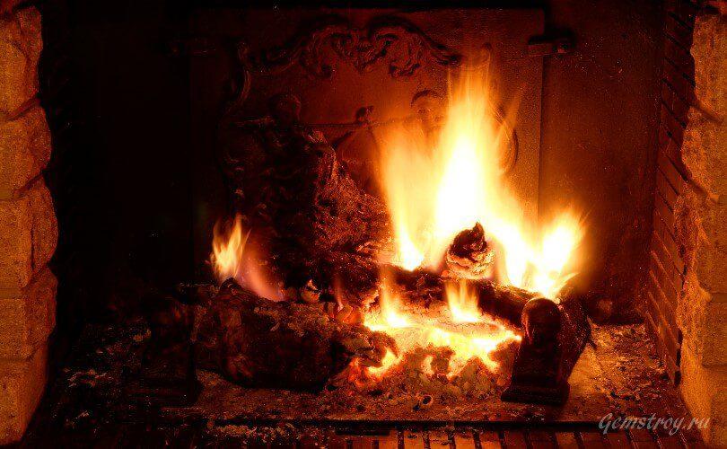 Пламя в камине